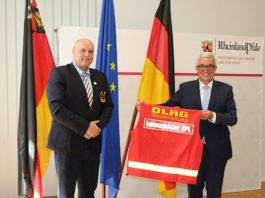 Innenminister Roger Lewentz und DLRG-Präsident Andreas Back (Foto: Innenministerium RLP)