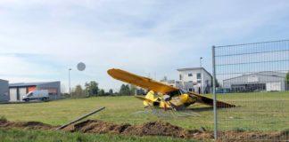 Das Flugzeugwrack (Foto: Polizei RLP)