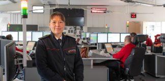 Die neue Geschäftsführerin der Integrierten Leitstelle Heidelberg/Rhein-Neckar-Kreis gGmbH, Stefanie Heck (hier am Betriebsstandort in Ladenburg) (Foto: Landratsamt Rhein-Neckar-Kreis)