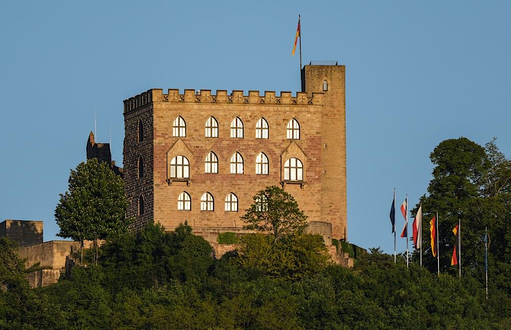 Symbolbild Hambacher Schloss (Foto: Holger Knecht)