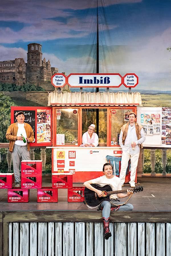 »Souvenirs, Souvenirs!« - Dagang Zhang, Ulrike Machill, Adrien Mechler (hinten), Astrid Bohm (vorne) (Foto: Susanne Reichardt)