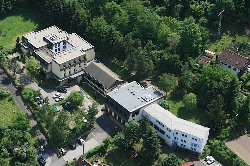 Liegt idyllisch am Waldrand: Pfalzakademie in Lambrecht(Foto: Manfred Czerwinski)