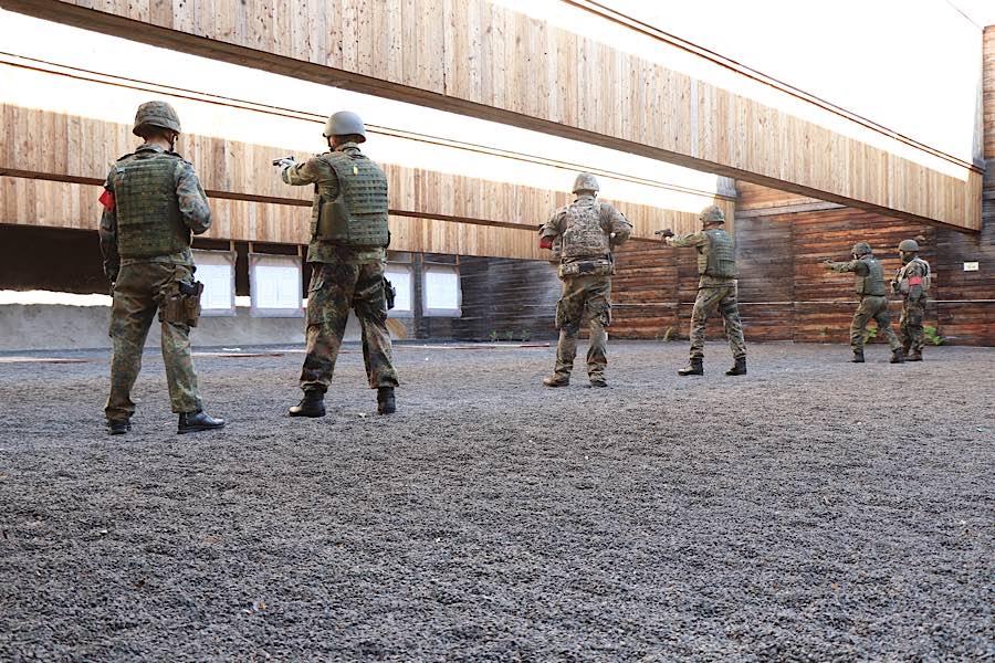 Einsatzvorbereitende Ausbildung für herausgehobene militärische Führungskräfte (Foto: StFw Frank Wiedemann/Bundeswehr)