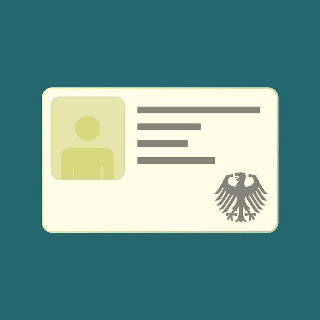 Symbolbild Personalausweis Pass (Foto: Pixabay/janjf93)