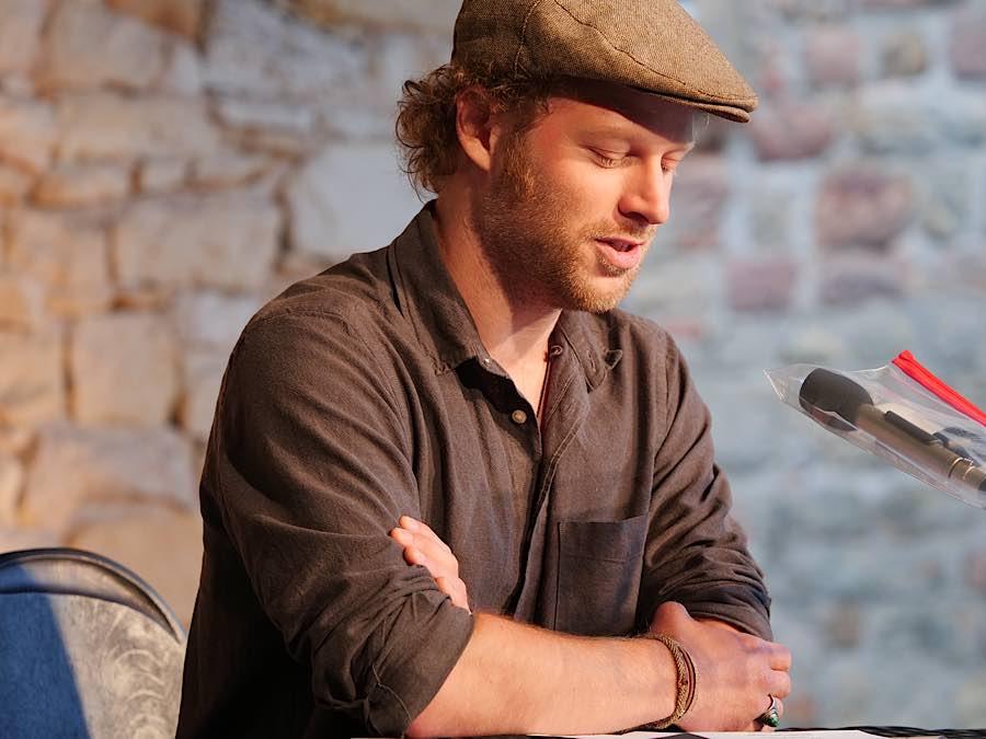 Der Preisträger Manuel Zerwas, der mit dem 1. Platz des diesjährigen Gustav-Adolf-Bähr-Förderpreises für Junge Literatur ausgezeichnet wurde. (Foto: Anton Dück)
