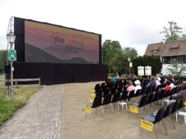 Open Air Kino auf dem Gelände der Rehhütte (Foto: Hannes Blank)