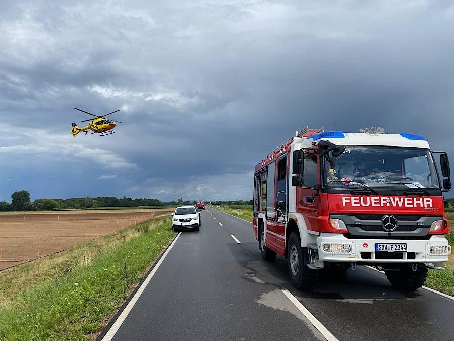 Verkehrsunfall auf der K 6 (Foto: Presseteam der Feuerwehr VG Edenkoben)