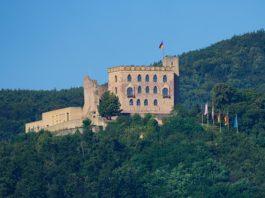 Symbolbild Hambacher Schloss Neustadt an der Weinstraße (Foto: Holger Knecht)