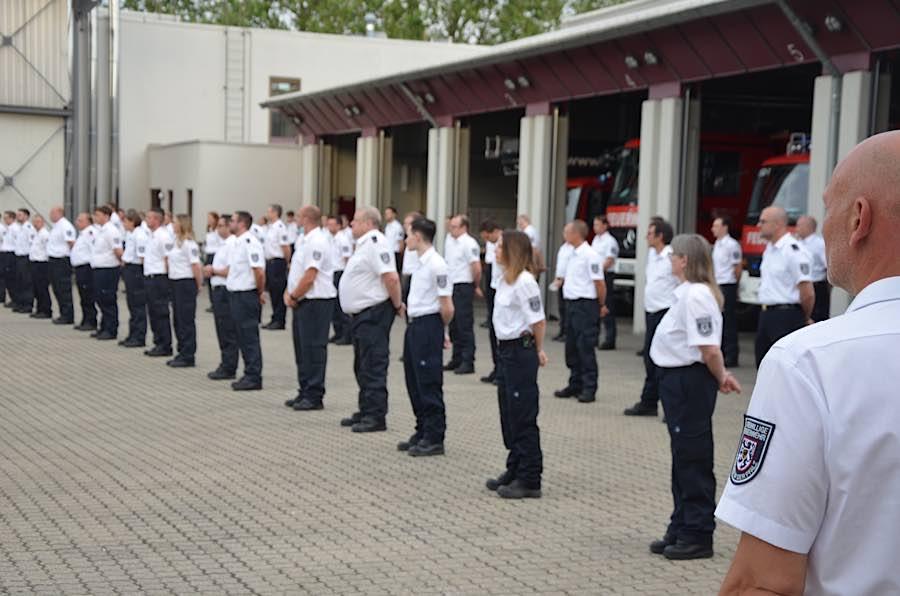 Ehrungen und Beförderungen (Foto: Feuerwehr Landau)