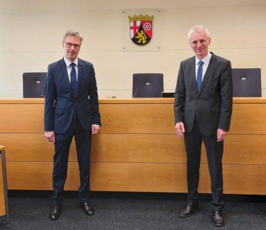 Staatssekretär Dr. Frey, Präsident Finanzgericht RLP Burkhart (Foto: Finanzgericht Rheinland-Pfalz)