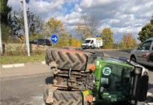 Umgekippter Traktor (Foto: Polizei RLP)